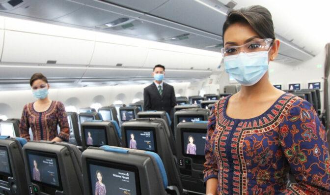 新加坡航空公司机舱工作人员