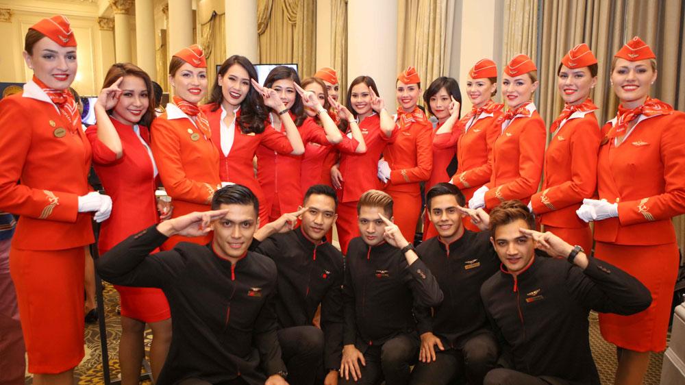 la tripulación de cabina de aeroflot y airasia espera los premios