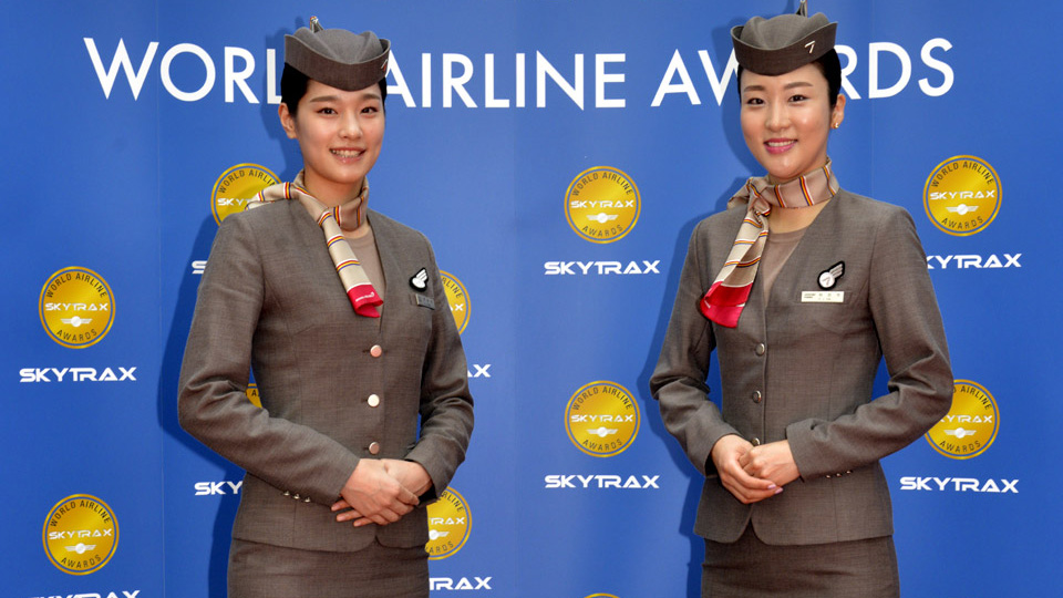 asiana cabin crew at the 2015 awards