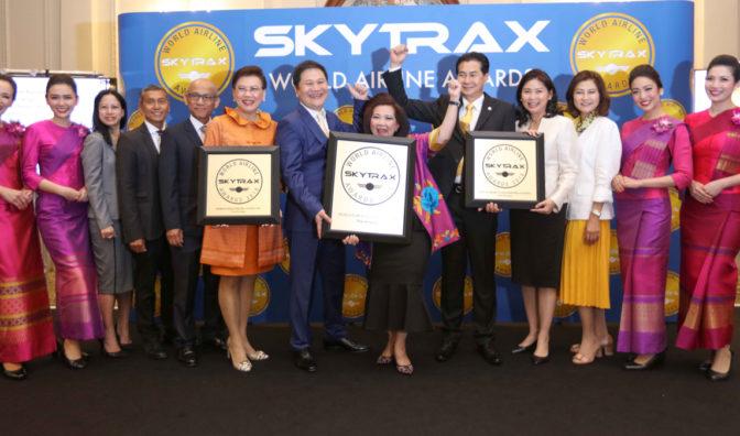 thai airways group photo celebration
